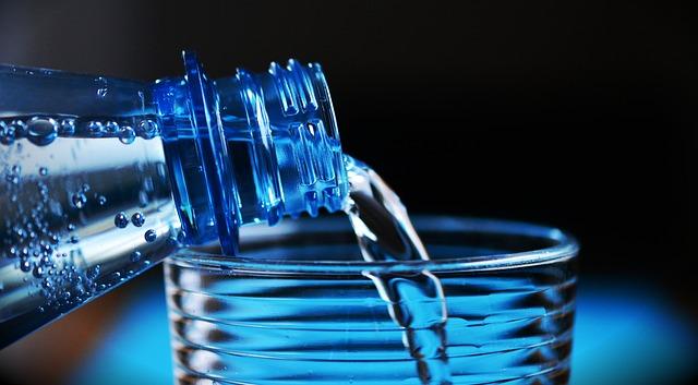Uống nhiều nước đẹp da